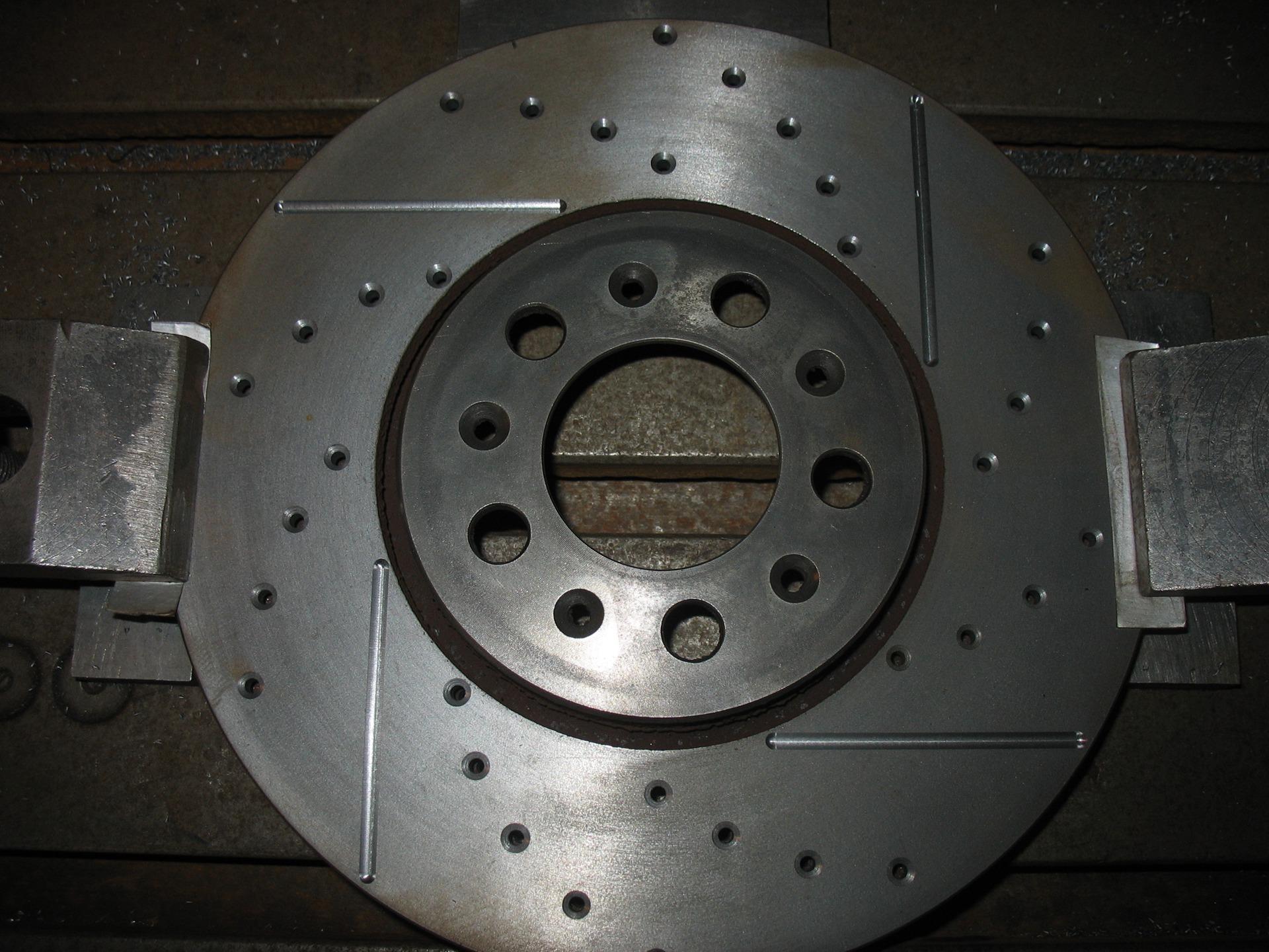 Перфорация на тормозных дисках своими руками 166