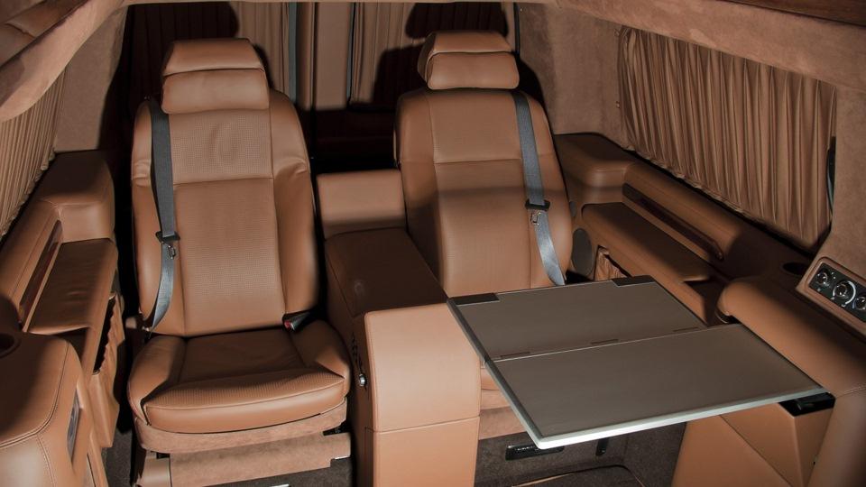 Chevrolet Express Настоящий Full-size van