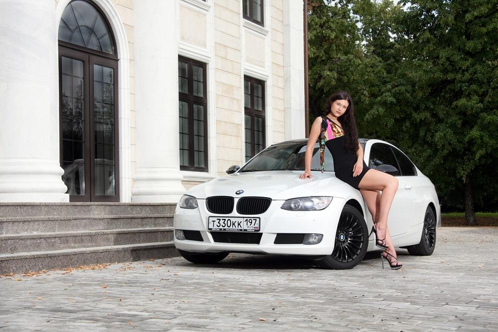 Картинки машины белые девушка