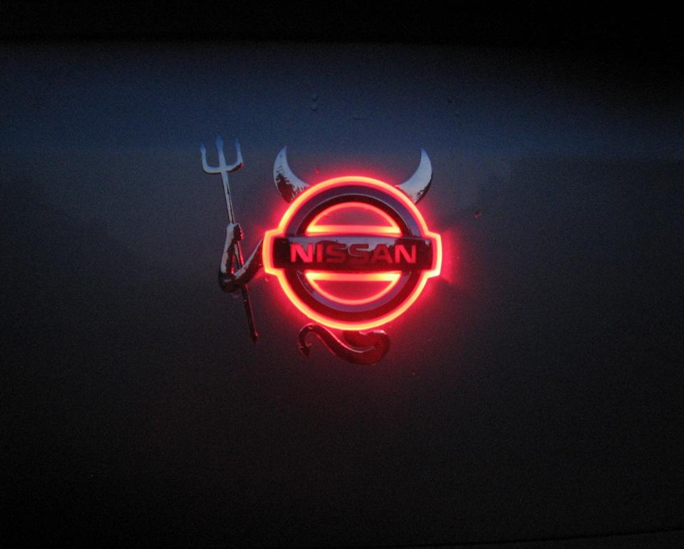 подсветка логотипа nissan
