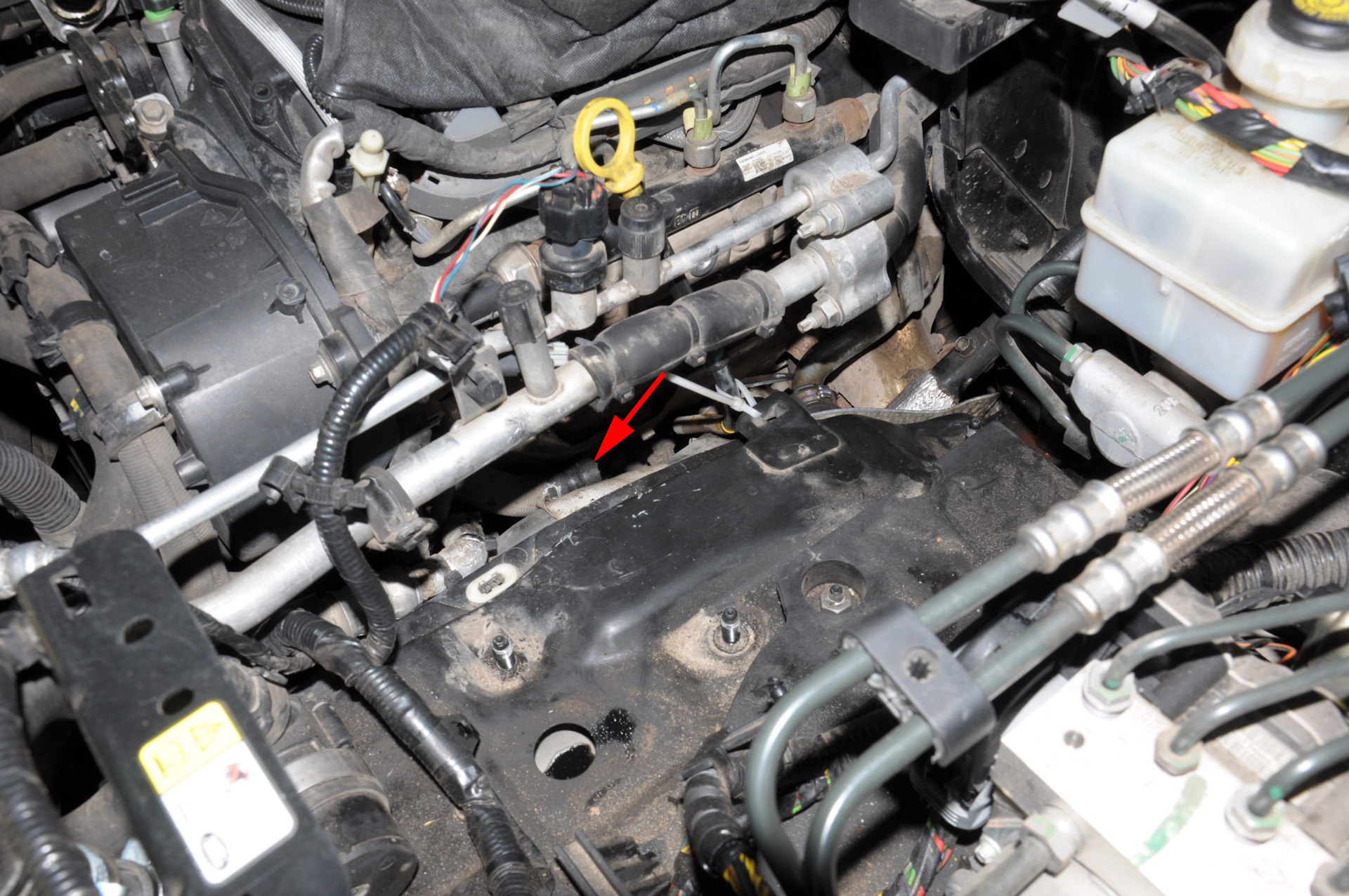Removing The Egr We Remove Coolant Circuit Of System Land Rover Zoom