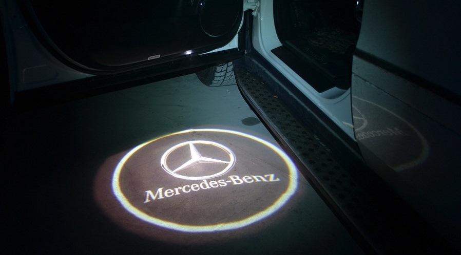 Подсветка в двери с логотипом. - бортжурнал Mercedes-Benz E-class DRIVE2