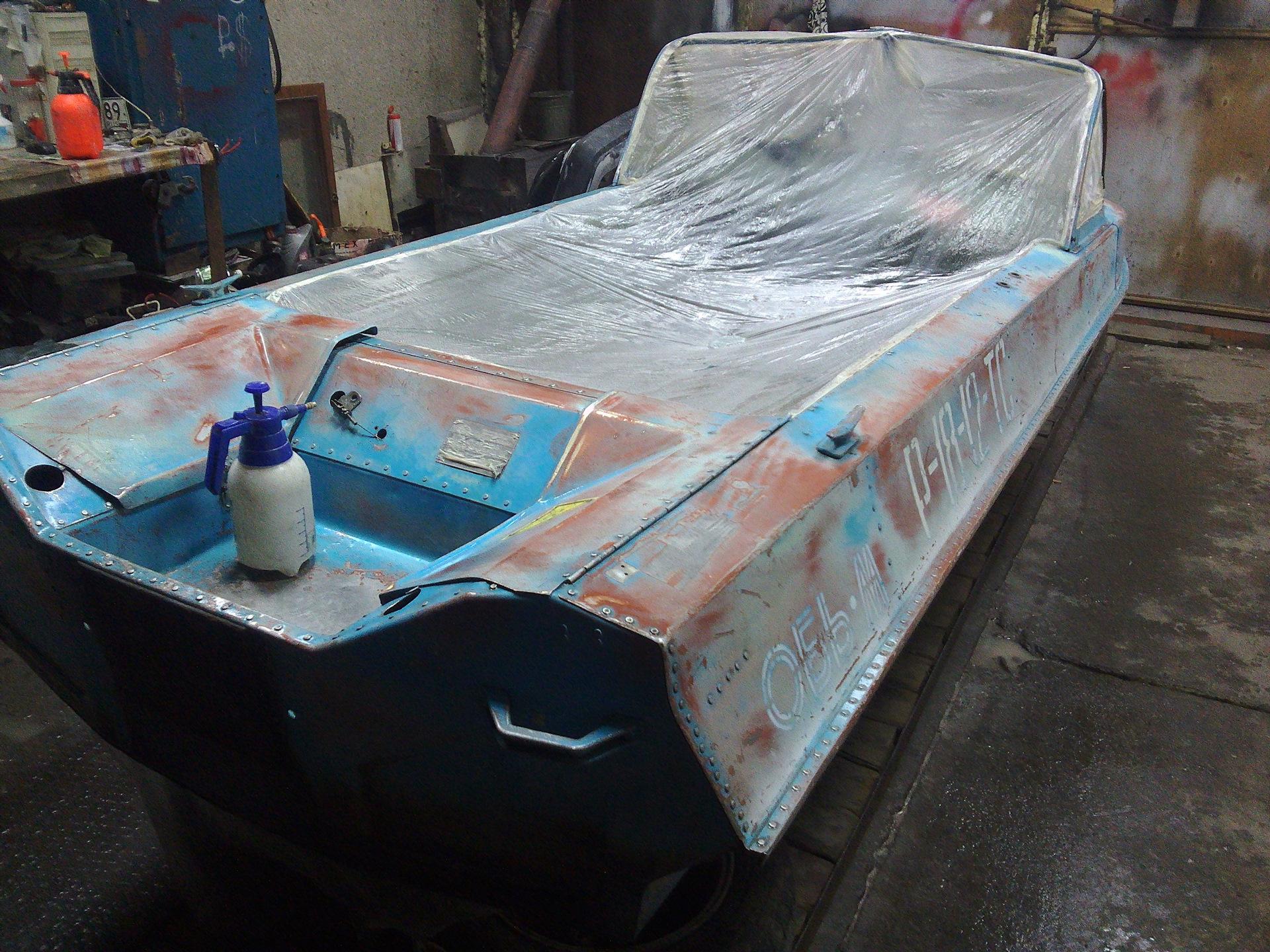 покраска лодок в камуфляж