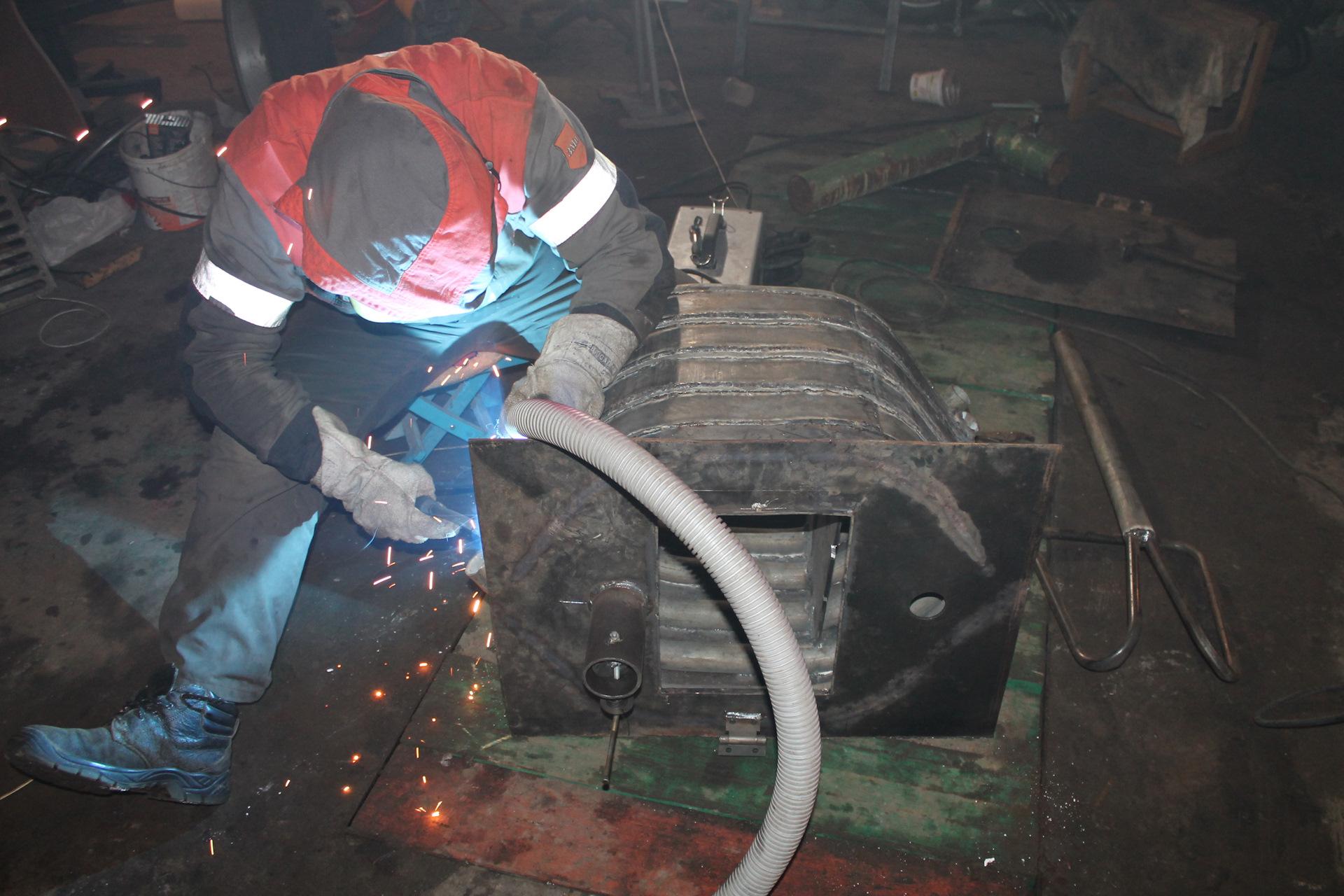 Печь на дровах с водяным контуром своими руками