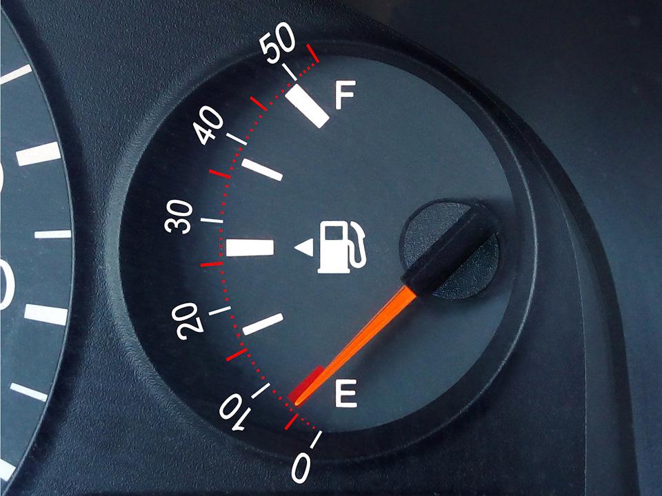 Как узнать количество бензина