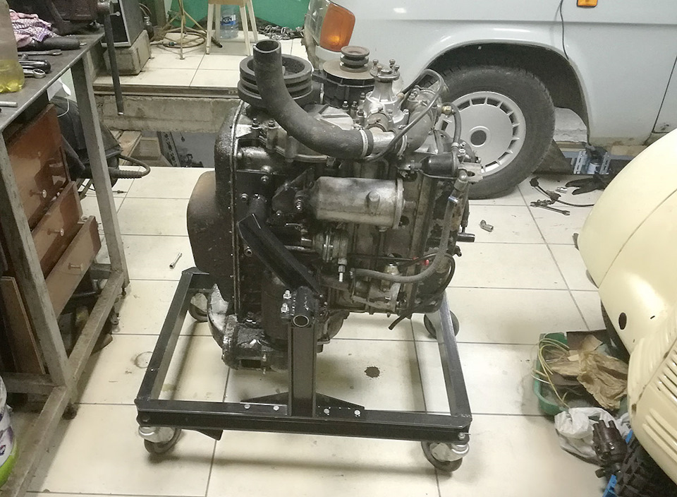 446b9b9s 960 - Стойка для ремонта двигателя своими руками