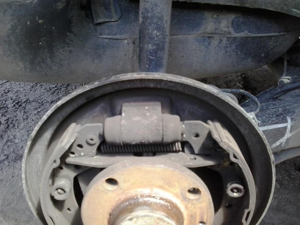 Задние тормозные колодки чери амулет аналоги пружина амортизатора задняя чери амулет