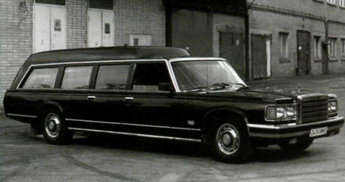 Один из трех универсалов последней серии — с мордой от 41047 и крышкой багажника нового типа