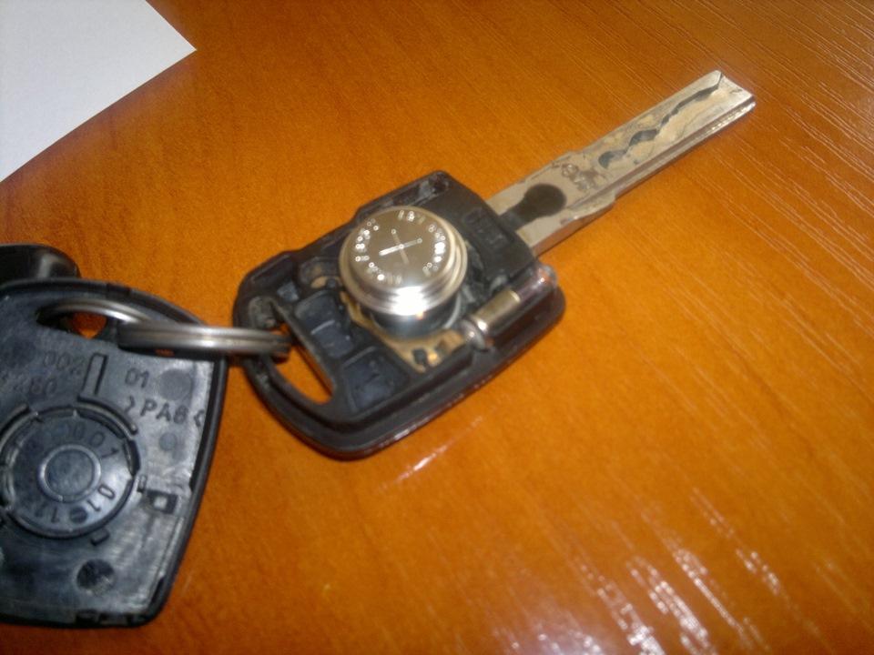 Как открыть шкоду октавию без ключа
