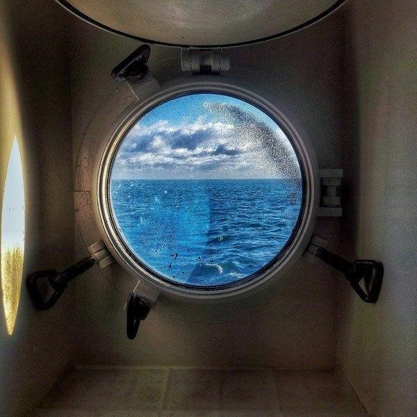 иллюминаторы на подводной лодке фото имеет острые