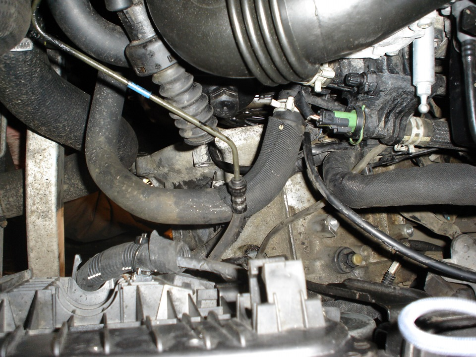 Замена передних тормозных колодок рено сандеро степвей