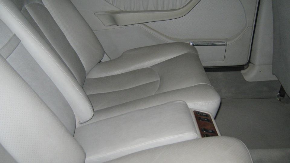 Mercedes-Benz S-class 560SEL.
