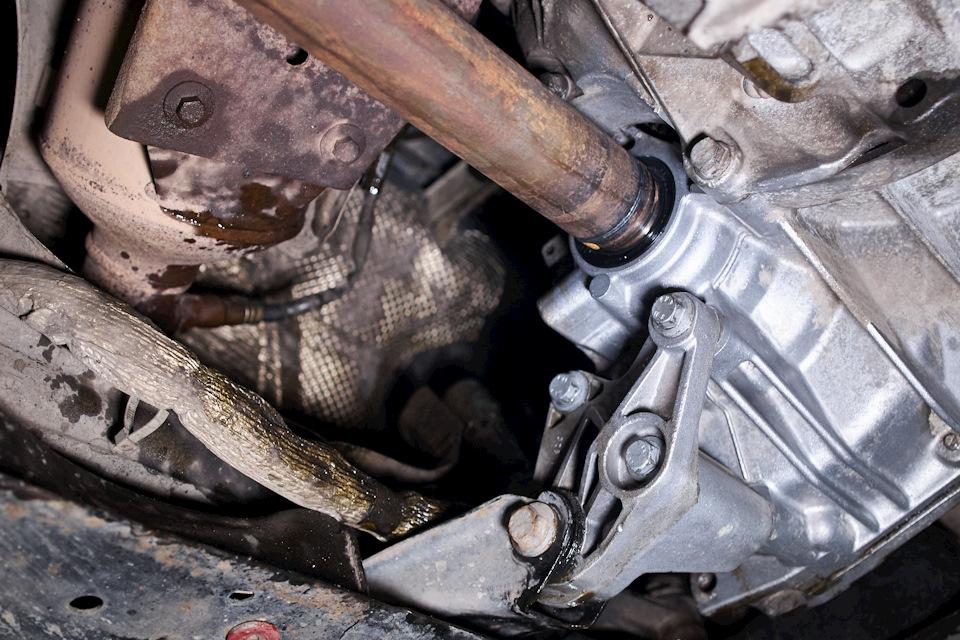 Правый привод МКПП Ford Focus III после замены сальника
