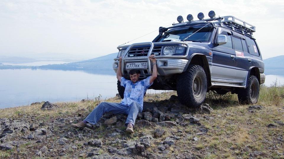 митсубиси паджеро на бездорожье фото