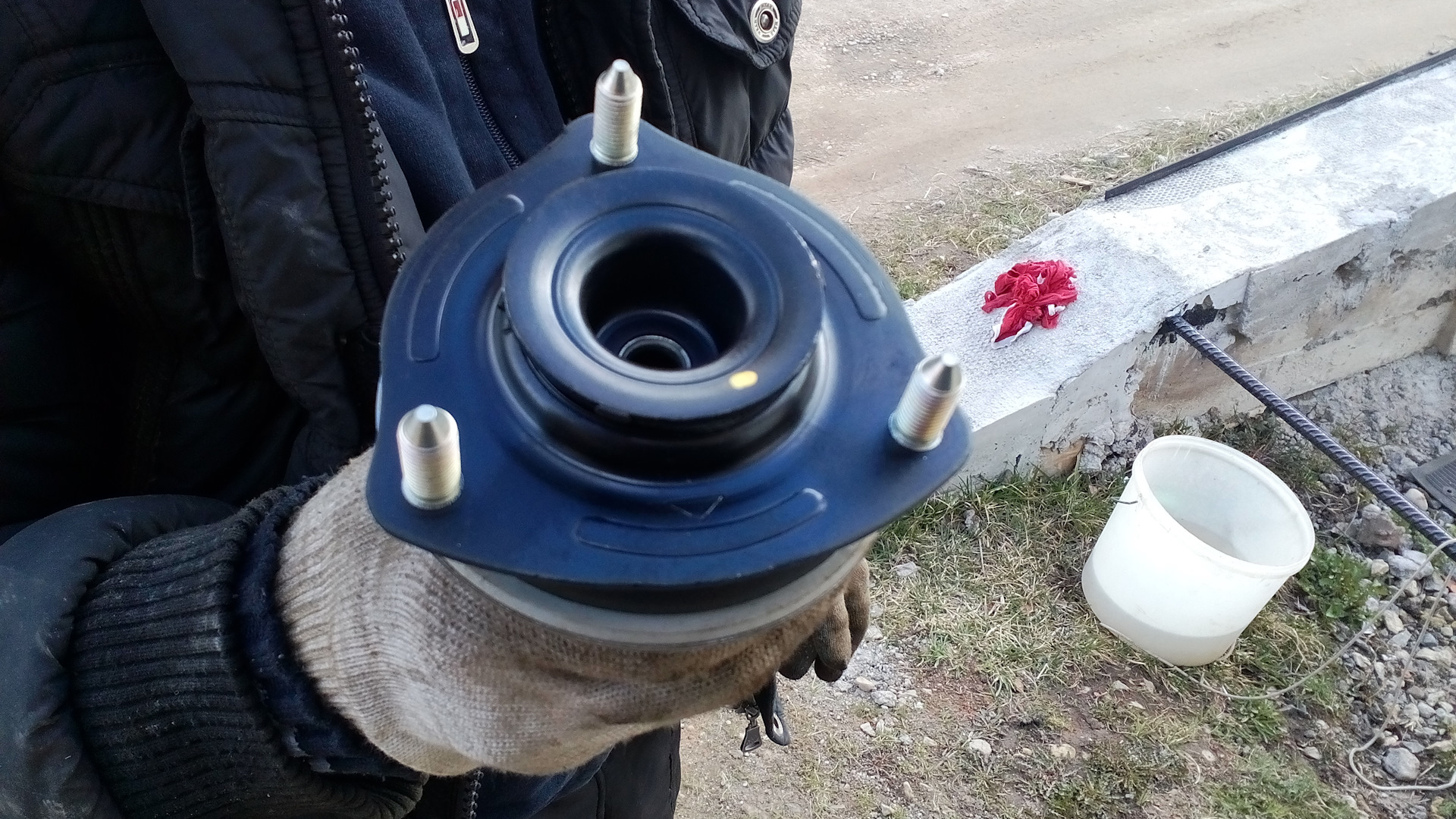 Опорная чашка амортизатора хонда