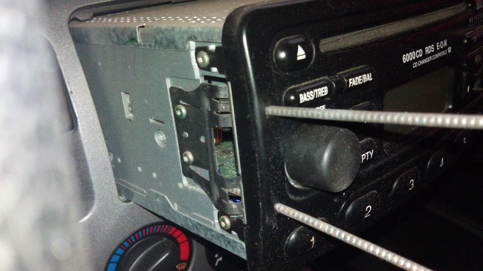 спецключ для снятия магнитолы ford focus 1