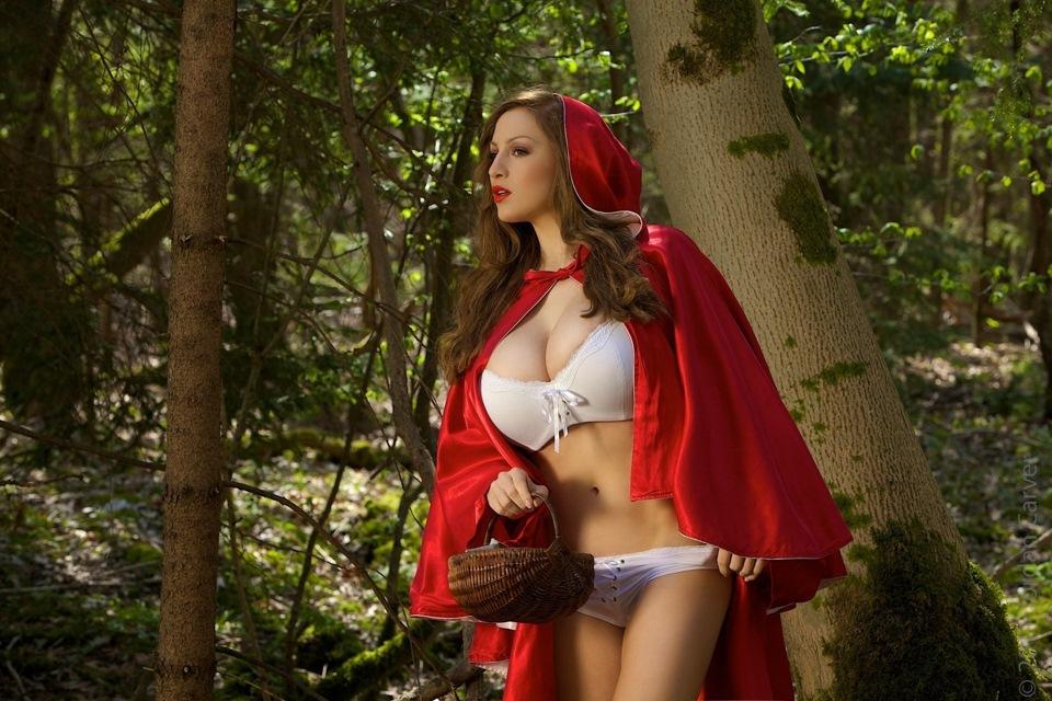 Толстая красная шапочка