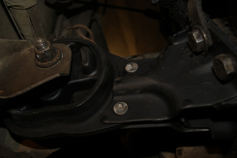 Подушки двигателя ваз 2109 фото