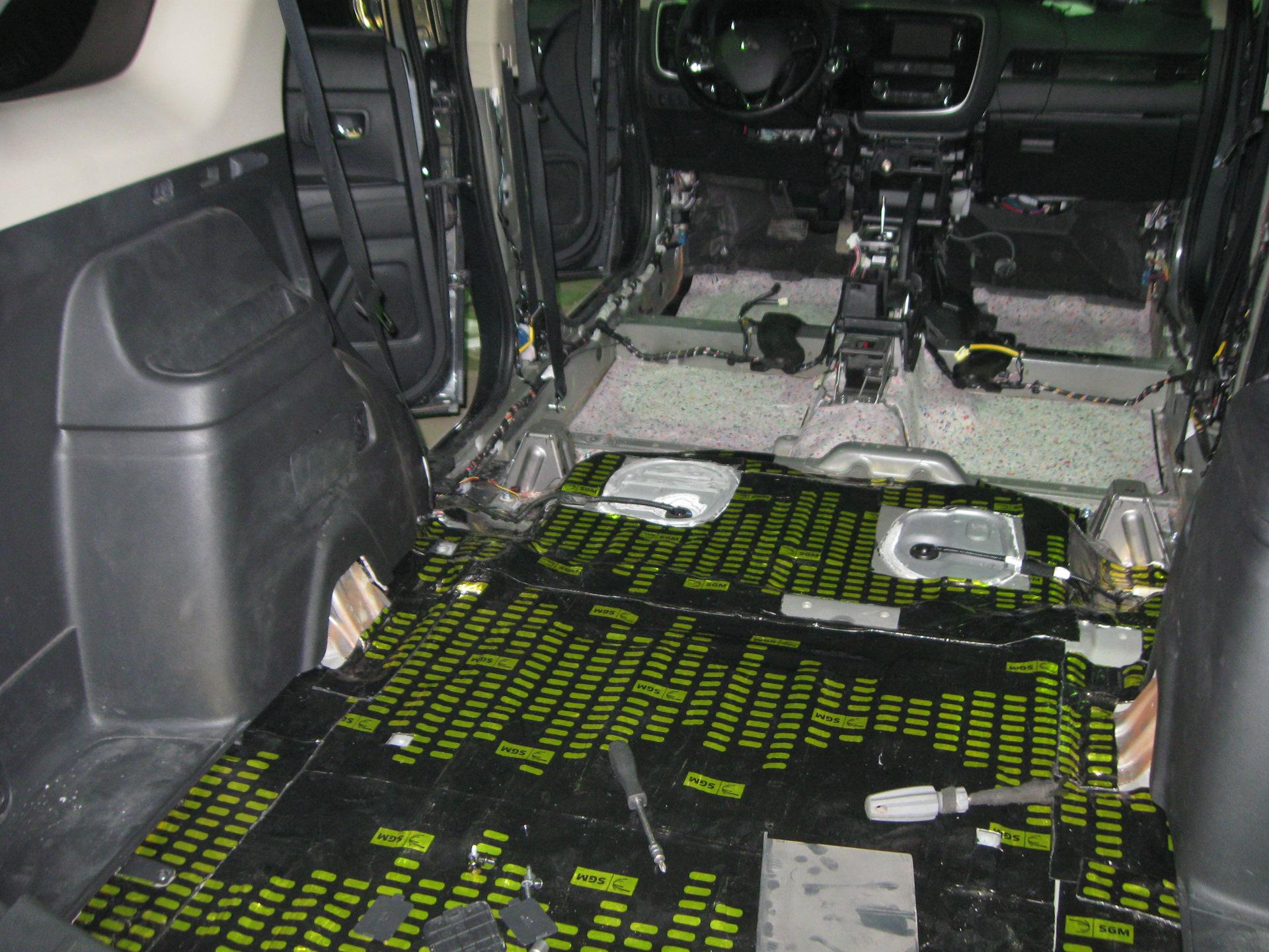 шумоизоляция авто фотоотчет переделанным
