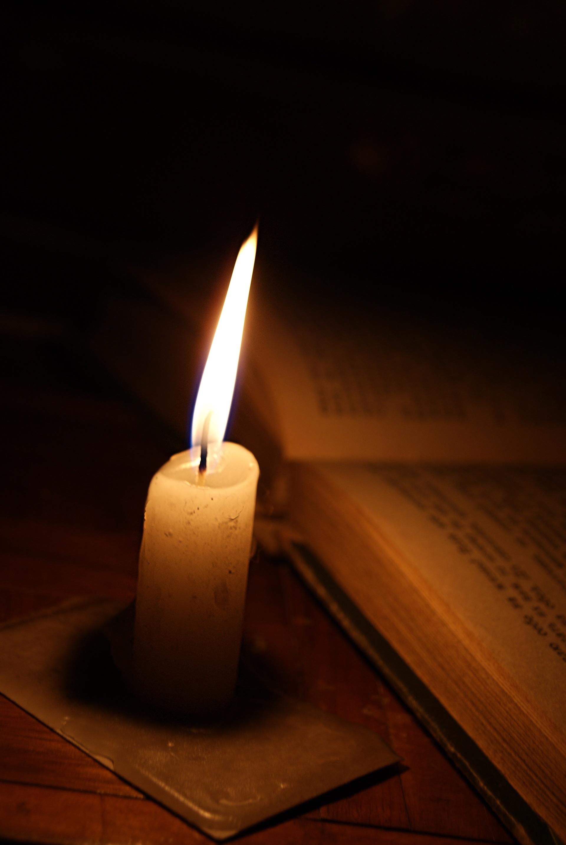 Горит свеча картинки
