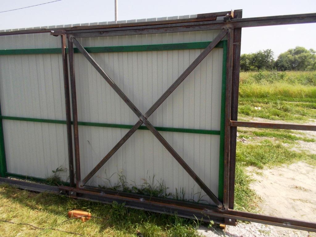 как сделать ворота на колесиках