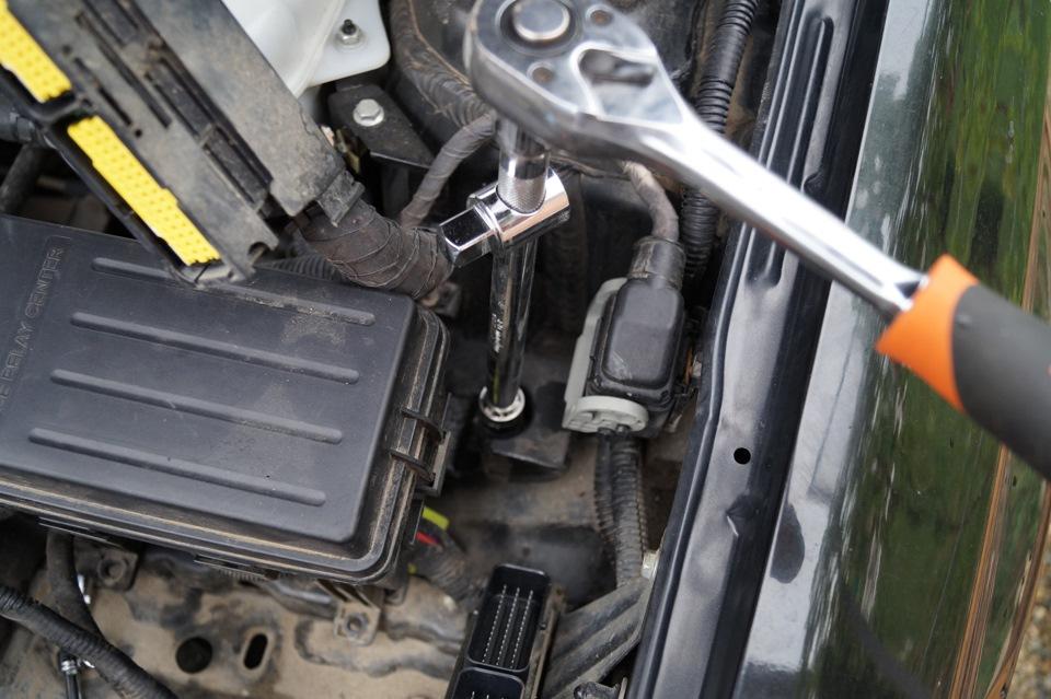 Замена опор двигателя шевроле лачетти своими руками