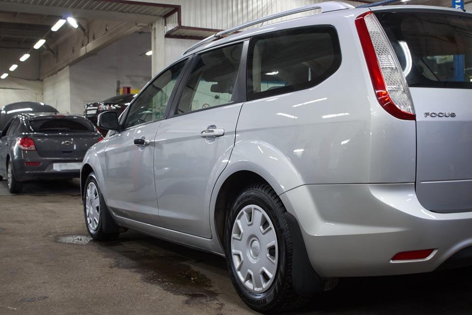 Ford Focus после проведённого кузовного ремонта. Вид сзади.