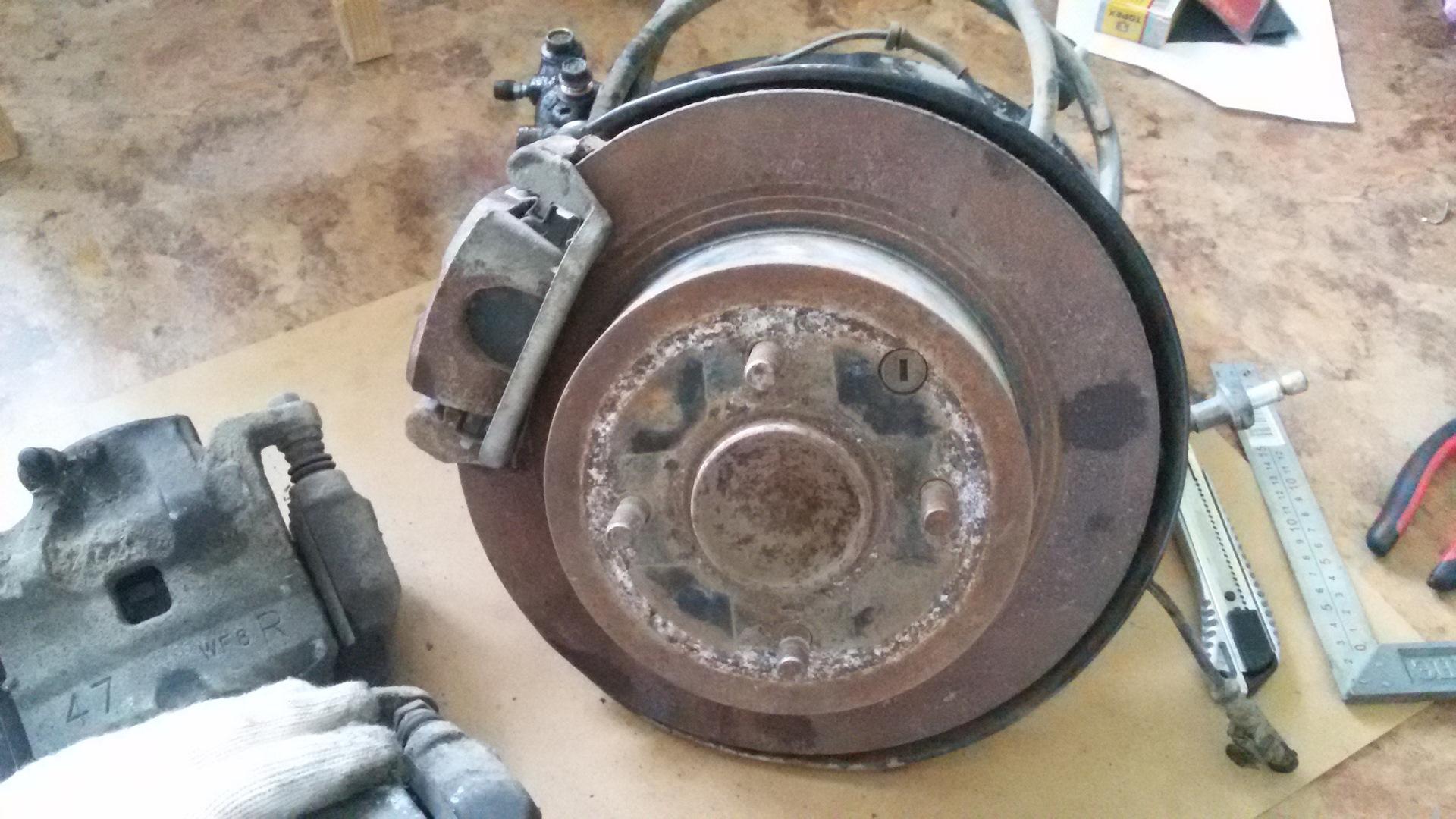 задние дисковые тормоза для nissan wingroad 2006