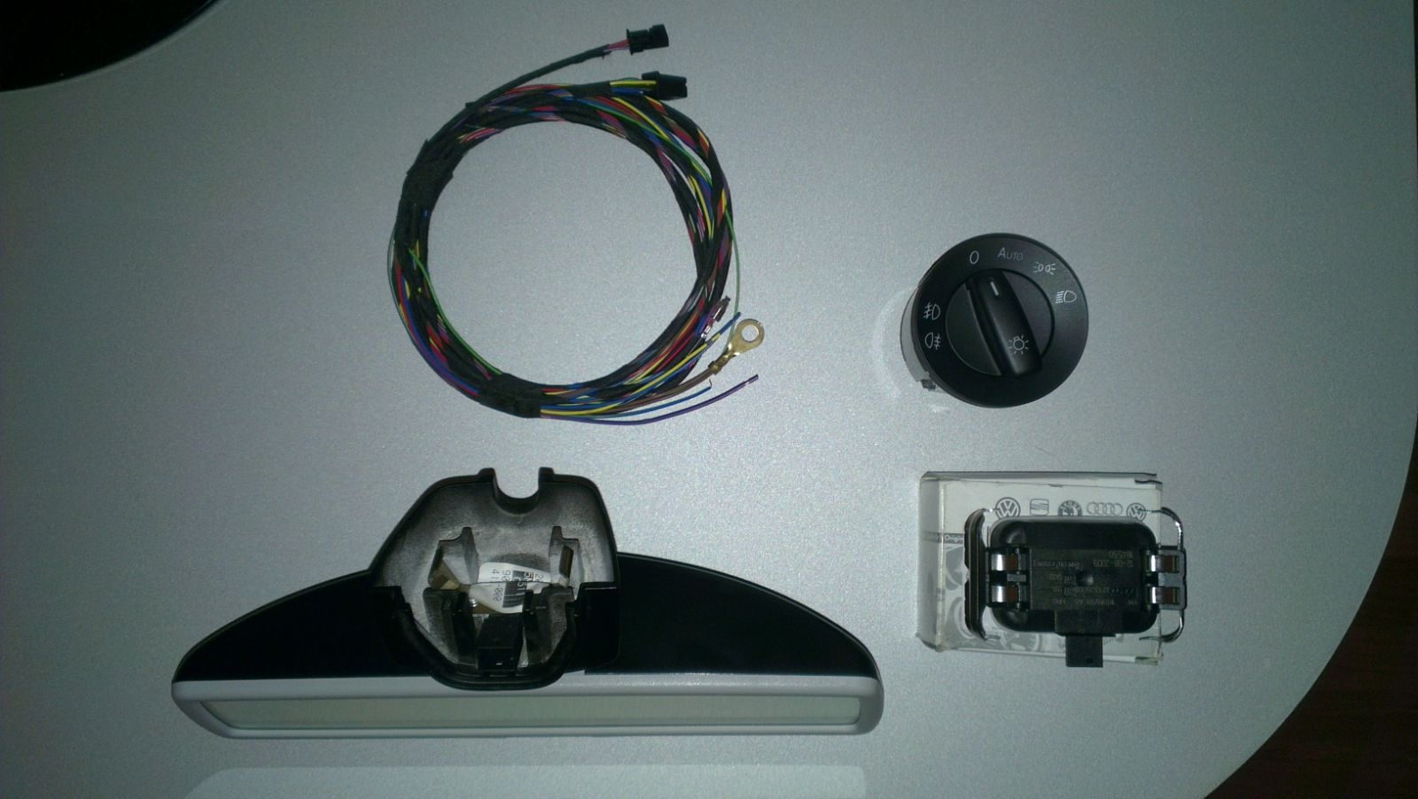 DIY-Installing OEM Rain/Light Sensor & Auto-dimming rearview mirror ...