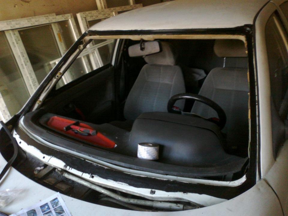 Фото №31 - вклейка лобового стекла ВАЗ 2110