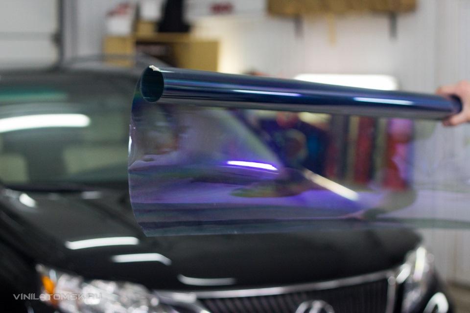 Фиолетовая пленка на лобовое