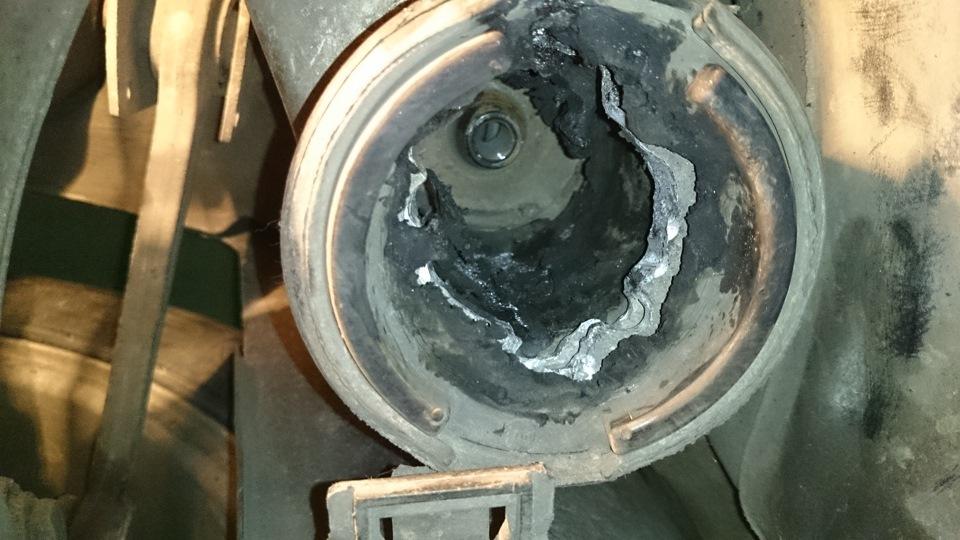 Замена сайлентблоков задней балки bmw f30 Продувка топливной системы с5