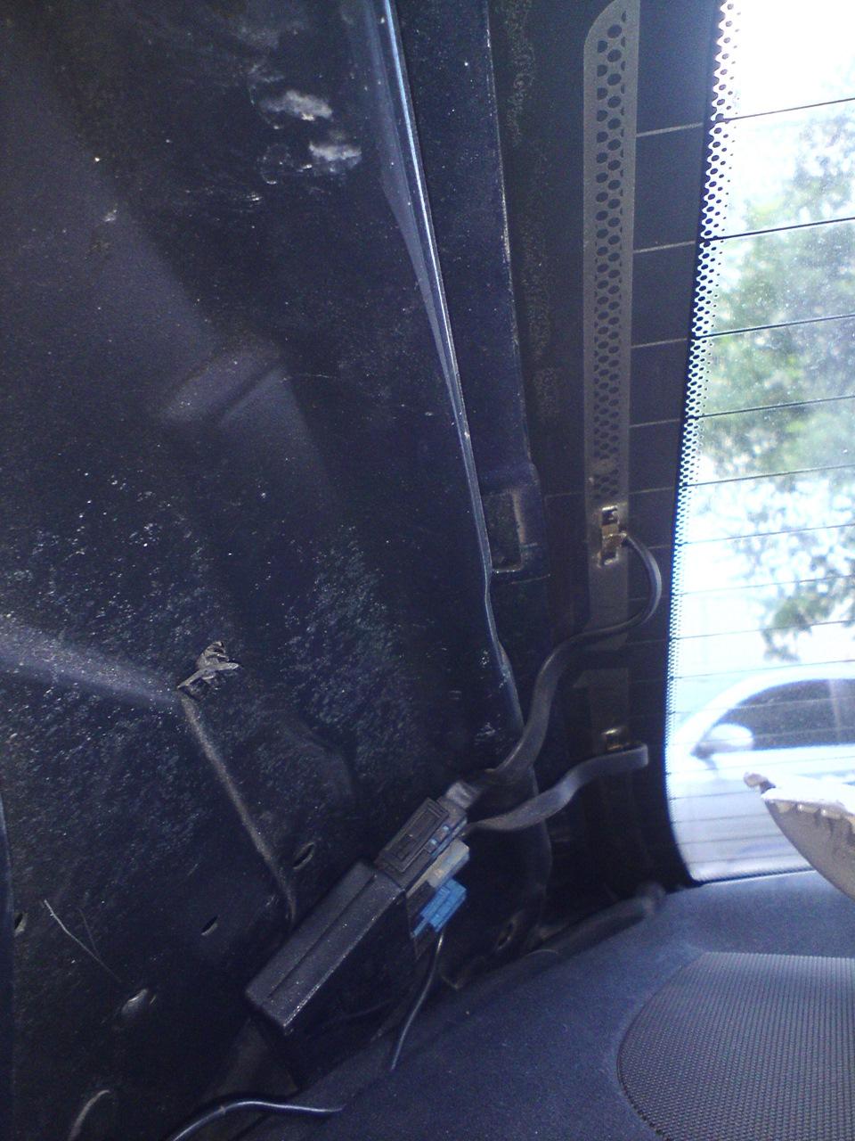 схема обогрева заднего стекла ситроен с4