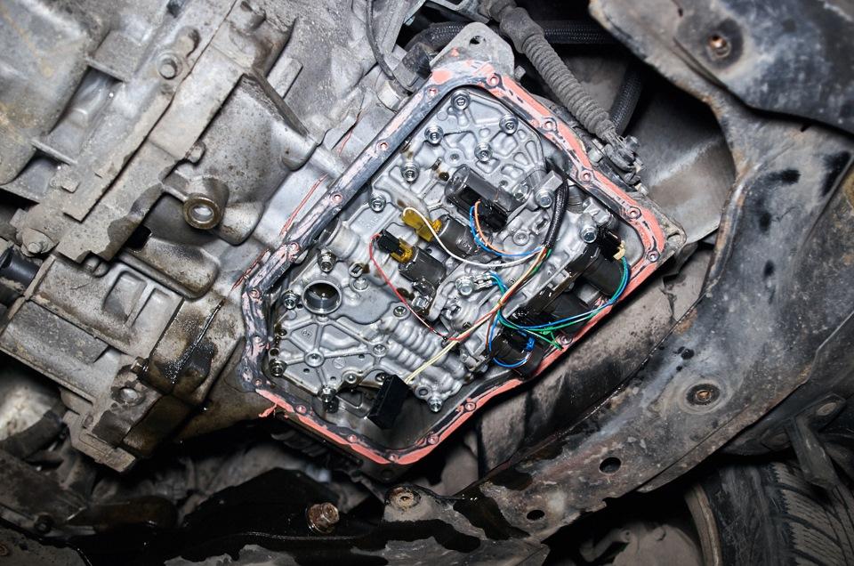 Внутреннее содержимое АКПП Mazda 6