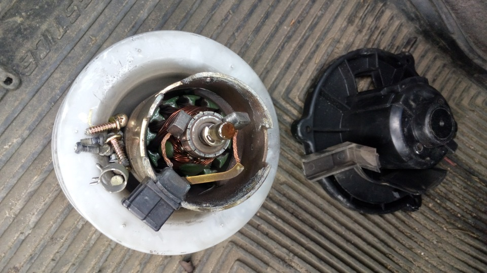 как вытащить вентилятор печки киа маджентис 2007 года
