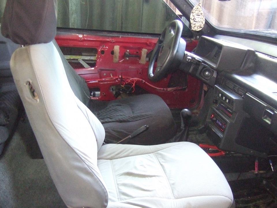 передние сиденья mazda mx-3 б/у