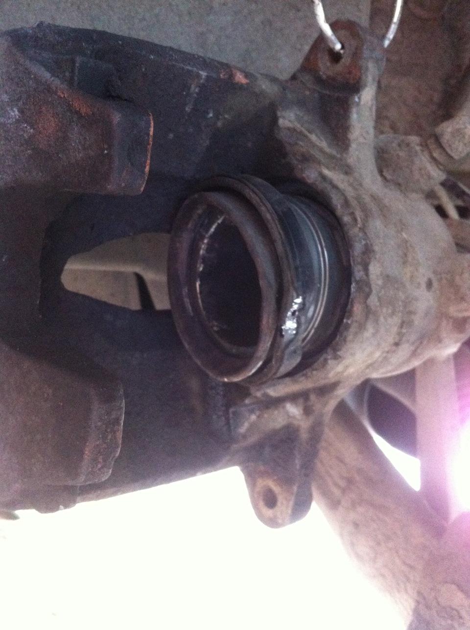 пыльник поршня тормозного суппорта мерседес w211