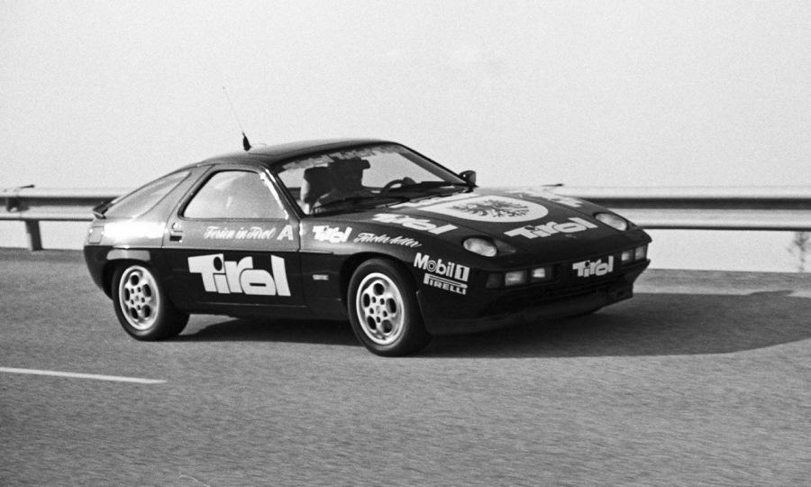 1982 год. 928s на треке Нардо, который компания купила парой лет ранее