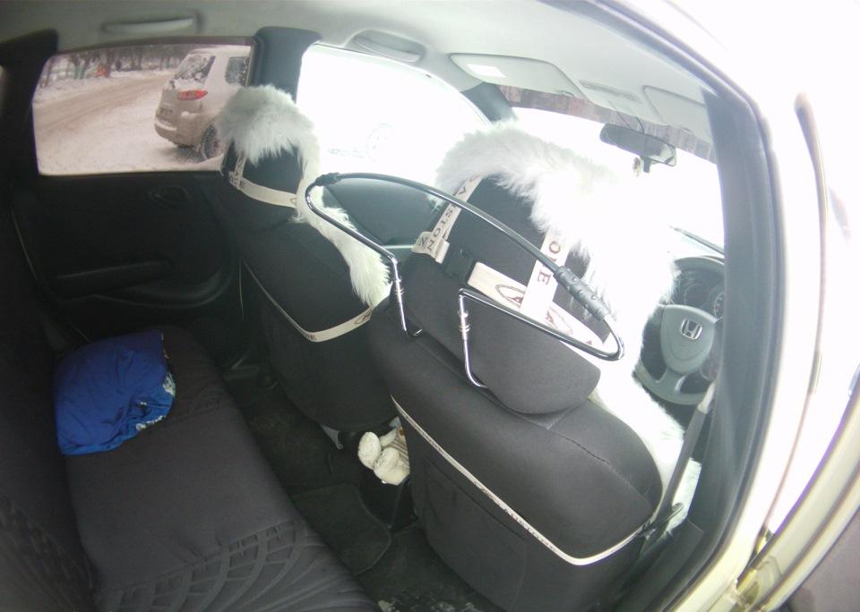 Эмблема, датчик, вешалка  — Honda Fit, 1 3 л , 2001 года на DRIVE2