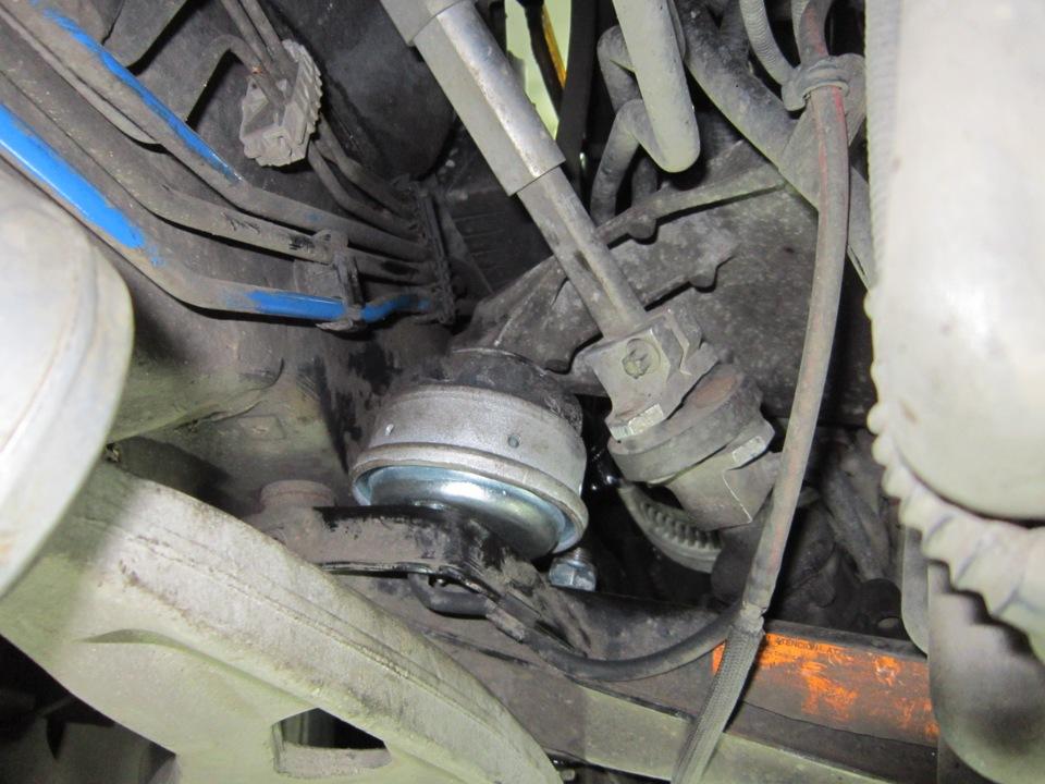 замена подушек двигателя на BMW e39