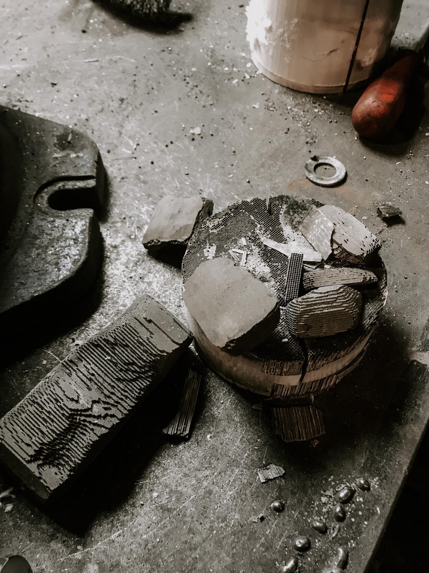 Использованный разрушенный катализатор от KIA Rio