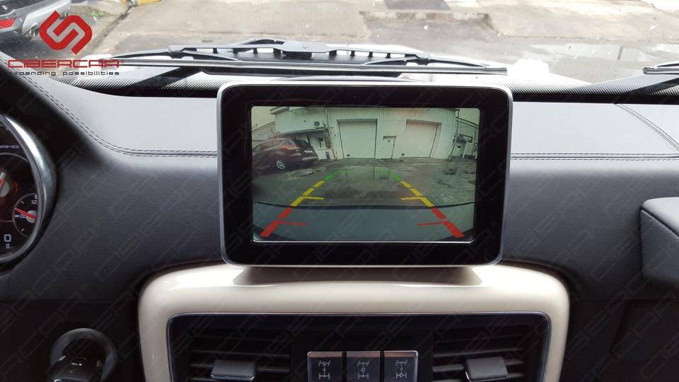 Изображение с камеры переднего обзора на штатном мониторе. Фото 1.