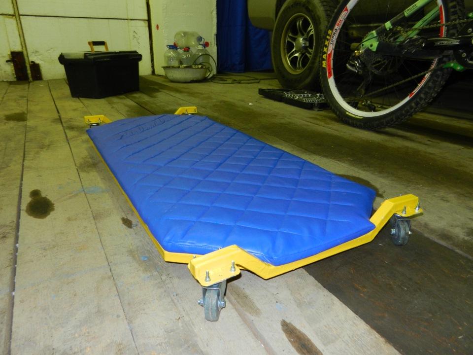 автомобиля для ремонта лежак