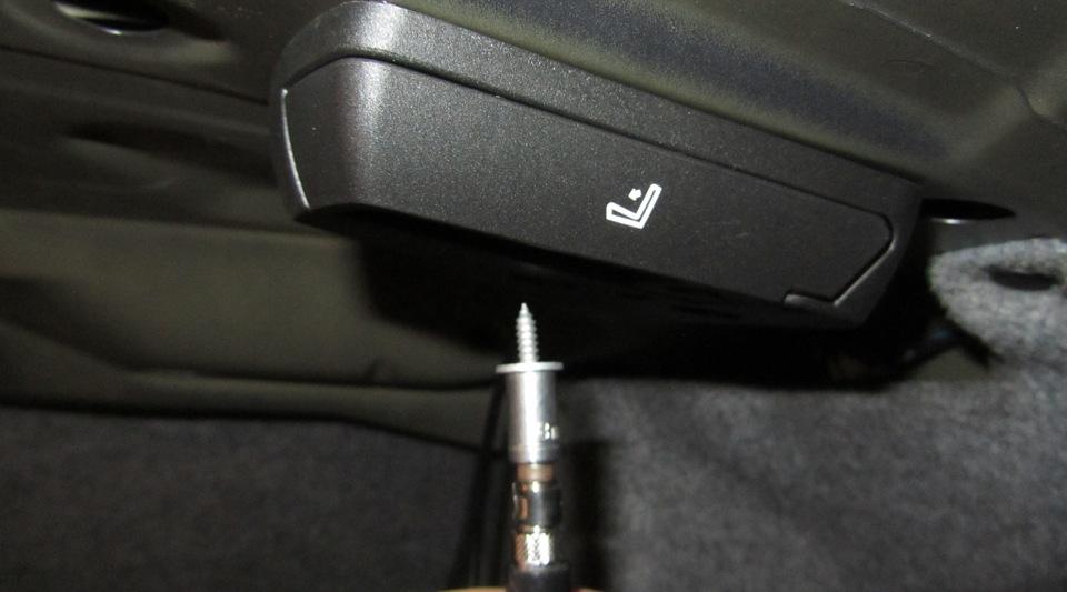 bmw e92 coupe как задние сидения откидываются