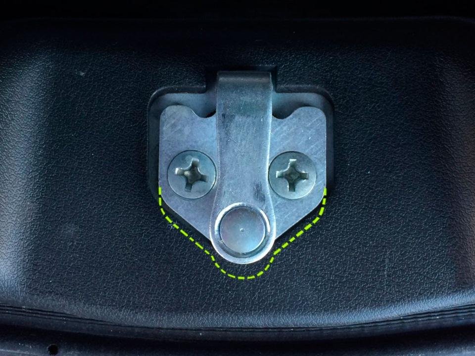 Снятие, установка крышки багажника и регулировка ее положения в проеме Лада Калина | Раздел 10. Кузов автомобиля Лада Калина / Lada Kalina (ВАЗ 1118)
