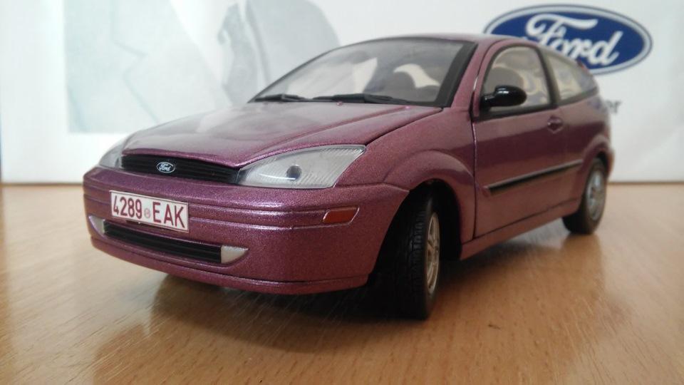 масштабная модель ford focus sedan 2003