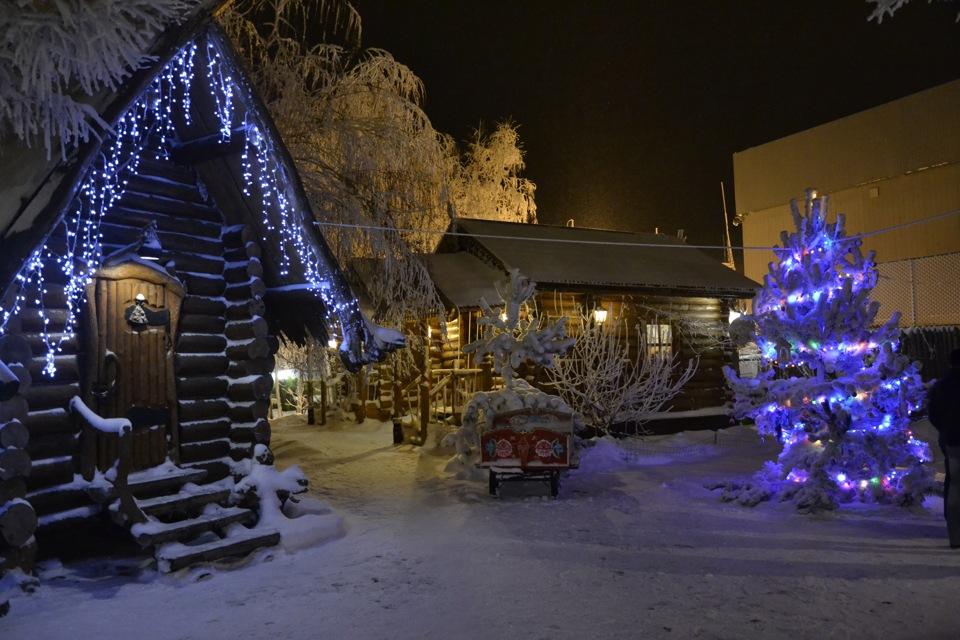 фото новогодней избушки