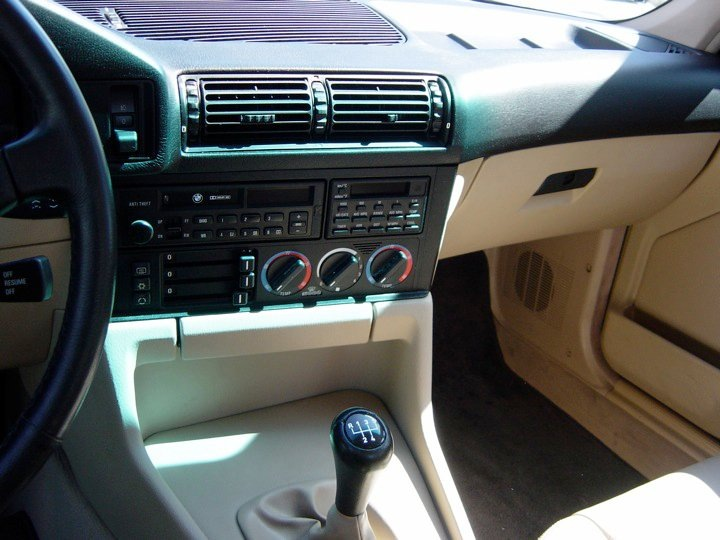 BMW e34 interior (4)