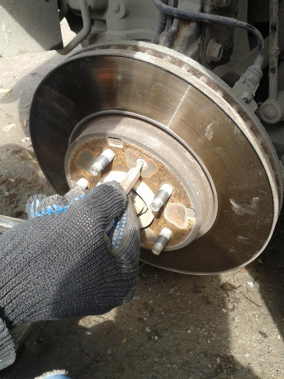 Как проточить задние тормозные диски своими руками