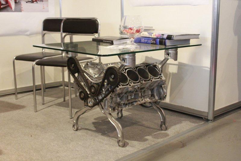 Столики из двигателя фото